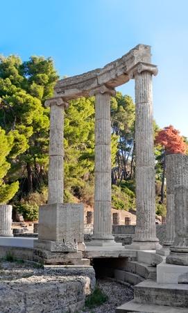 antica grecia: Antiche rovine della Philippeion a Olimpia, in Grecia vista dettagliata della Philippeion, mostrando la costruzione del crepidoma Archivio Fotografico