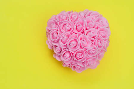 beautiful decor of roses in the shape of a heart gift for valentine's day Stockfoto