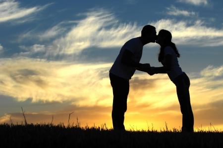 Love story  Running along the river, splashing Standard-Bild