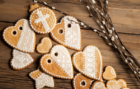 gingerbread man: texture, background, hand-painted cookies, Tulips, willow, old boards,