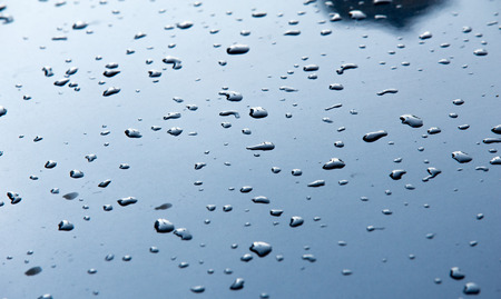 precipitaci�n: Texture background. raindrops on paintwork. Precipitation in the form of water droplets.