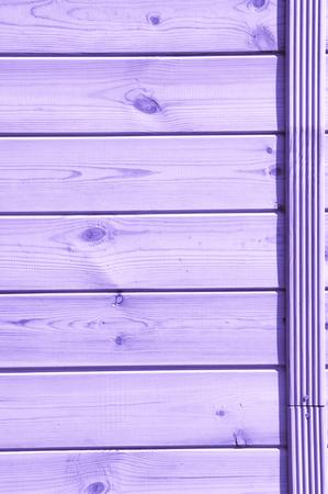 Peint en bleu lilas, les planches sont vues d'en haut comme arrière-plan avec de l'espace pour la copie et l'assemblage. Banque d'images - 79091795