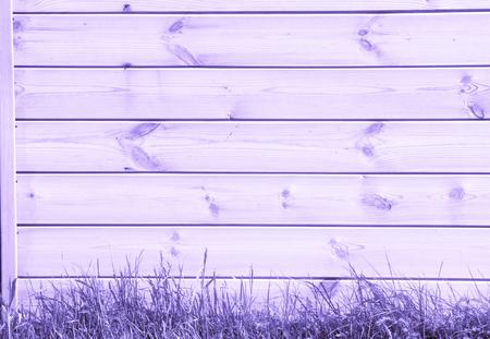 Peint en bleu lilas, les planches sont vues d'en haut comme arrière-plan avec de l'espace pour la copie et l'assemblage. Banque d'images - 79192104