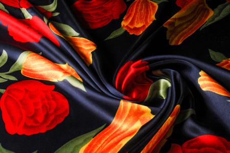 질감, 배경, 패턴입니다. 실크 패브릭 튤립, 노란색과 빨간색 꽃과 파란색. 시원한 블루 수채화 튤립 실키 빈티지 패브릭 야드 스톡 콘텐츠
