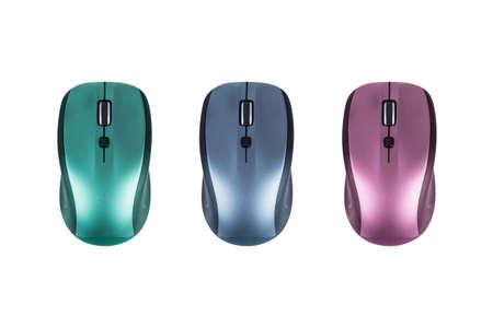 Kleurrijke variaties van draadloze desktop computer muizen, op een witte achtergrond.