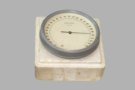 aneroid: Aneroid barometer old
