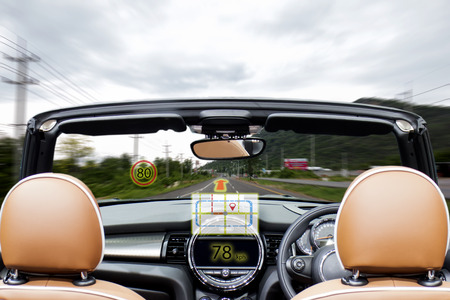iot, internet of things smart car concepts, Head up display (HUD). Car use augmented reality to show the map, speed, limit speed sign and direction Banco de Imagens