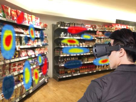 Augmented und Virtual-Reality-Technologie futuristisches Konzept, verwenden Einzelhändler kombinierte Virtual-Reality-Technologie, um die Daten der Eye-Tracking-Wärmekarte zu finden, um Management, Analyse und Verbesserung zu verbessern Standard-Bild