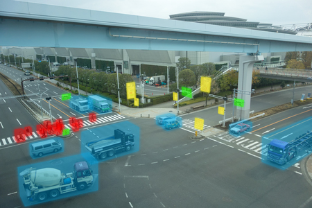iot smart automotive Driverless car with artificial intelligence combine with deep learning technology. self driving car can situational awareness around the car, letting it navigate itself 360 degree Banque d'images