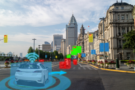 iot smart automotive Driverless car with artificial intelligence combine with deep learning technology. self driving car can situational awareness around the car, letting it navigate itself 360 degree Foto de archivo