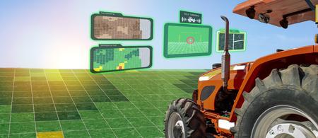 iot Smart Industry Robot 4.0 Landwirtschaftskonzept, industrieller Agronom, Landwirt, der einen autonomen Traktor mit selbstfahrender Technologie verwendet, erweiterte gemischte virtuelle Realität zum Sammeln, Zugreifen und Analysieren von Boden Standard-Bild