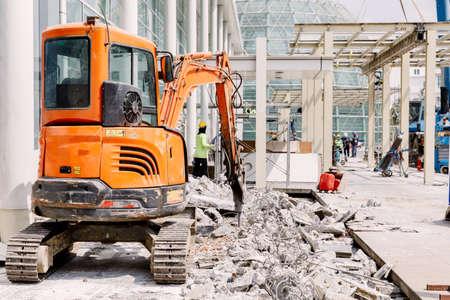 deconstruct: Robot Equipment is destroying the floor In construction zone.
