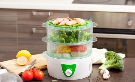 증기선에서 요리. 어린이와 다이어트를위한 건강 식품. 증기선의 요리법.
