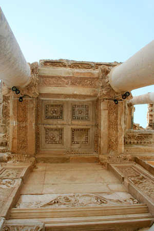 ephesus ruin photo