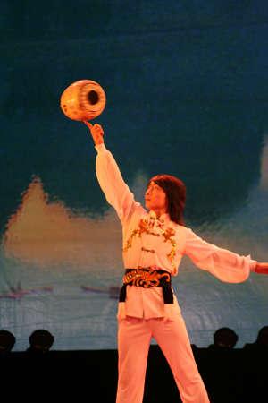 上海、中国雑技団ショーします。 写真素材 - 9885682