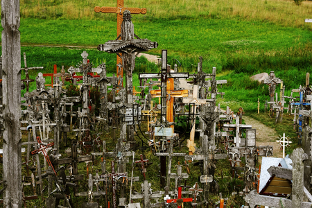 Legendary and holy Hill of Crosses, Siauliai, Lithuania Imagens