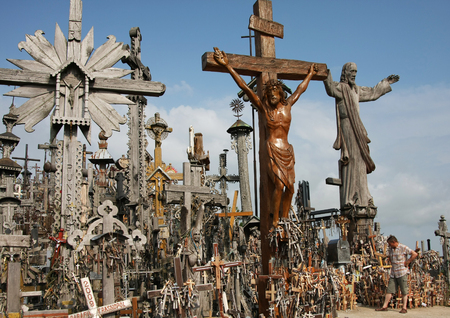 Legendary and holy Hill of Crosses, Siauliai, Lithuania 版權商用圖片