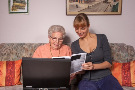 loveable: An old woman is a laptop explained by her granddaughter