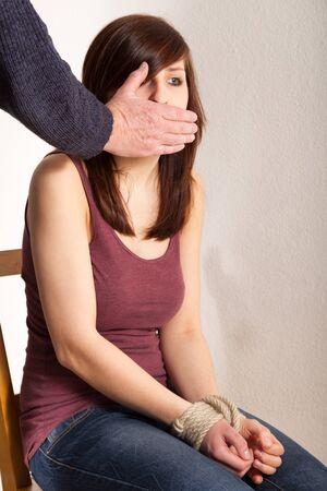keep silent: Il padre ? tenere la bocca chiusa figlie Archivio Fotografico