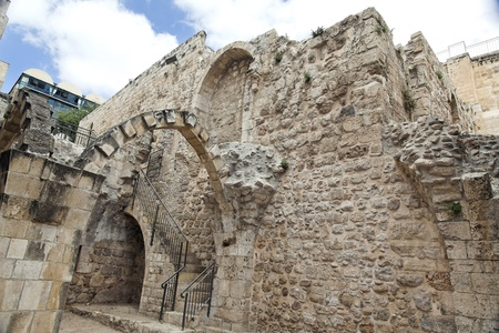 jewish quarter: Ancient ruins in the Jewish quarter of the Jerusalem old city, Israel
