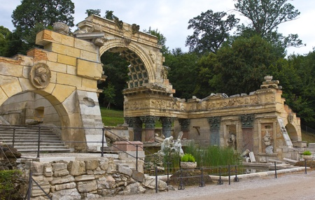 nbrunn: Vienna, Austria, July 23, 2011 - Roman ruins in Sch�nbrunn Palace erected as an entirely new architectural feature in 1778 and fully integrated into its parkland surroundings Editorial