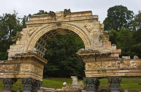 nbrunn: Vienna, Austria, July 23, 2011 - Detail of the roman ruin arch in Sch�nbrunn Palace erected as an entirely new architectural feature in 1778 and fully integrated into its parkland surroundings