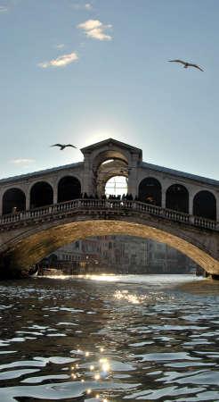 Rialto Bridge em Venice, Italy