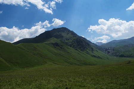 Mountain view. Mountains of the North Caucasus in summer 版權商用圖片