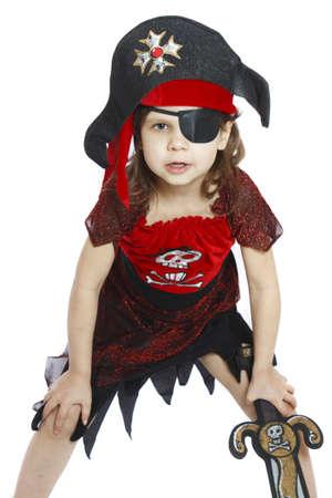 sombrero pirata: hermosa ni�a en un aislado traje de pirata