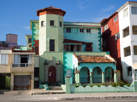 habana: June, 12 2017 Havana, Cuba Beautiful colonial house in very bad condition next to the malecon in Havana, Cuba