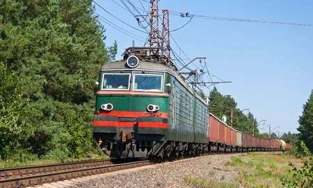 goods train: Freight train hauled by electric locomotive