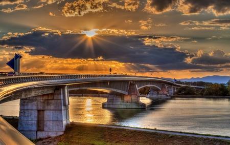 hdr: Pont Pierre Pflimlin autoroute sur le Rhin entre la France et l'Allemagne