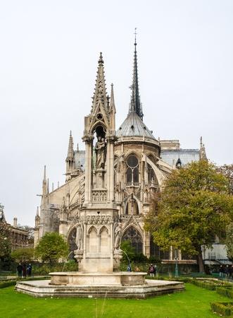 Notre Dame de Paris, Blick aus dem Square Jean-XXIII