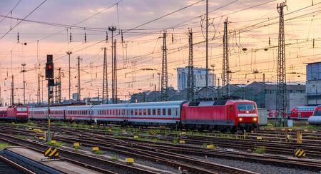 tren: Trenes de Alem�n en Frankfurt (Main) Hauptbahnhof estaci�n, Hesse