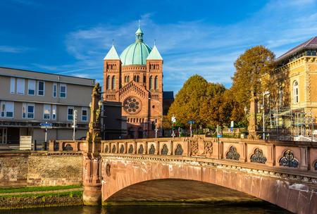 jeune: View of Saint-Pierre-le-Jeune church in Strasbourg - Alsace, France Stock Photo