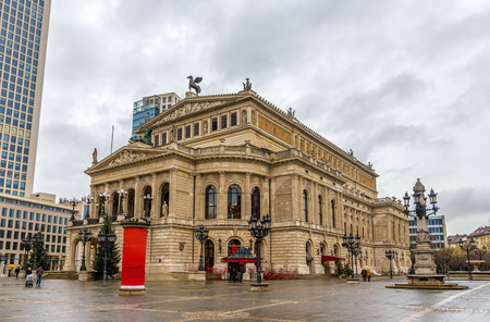 oper: Alte Oper (Old Opera) in Frankfurt, Germany Editorial