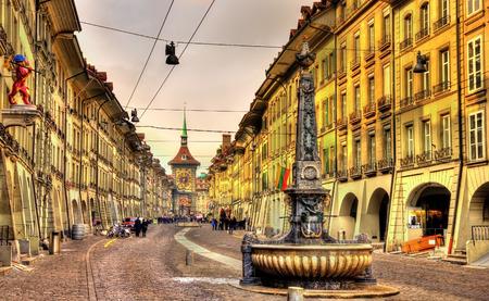 Kramgasse rue dans la vieille ville de Berne - site de l'UNESCO en Suisse