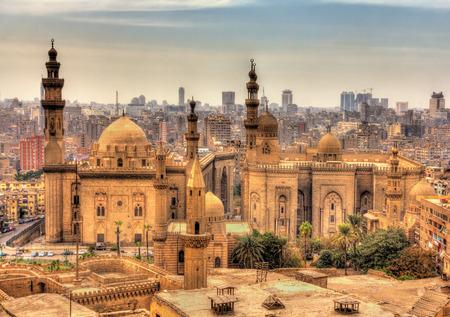 Uitzicht op de moskeeën van Sultan Hassan en Al-Rifai in Caïro - Egypte Stockfoto - 36948184