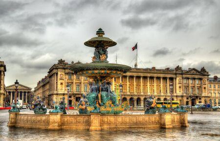 fontaine: Fontaine des Fleuves on the Place de la Concorde in Paris