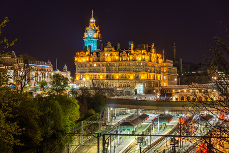 waverley: Waverley Railway Station in Edinburgh - Scotland