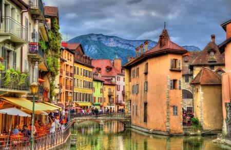 フランス ・ アヌシーの古い町の眺め