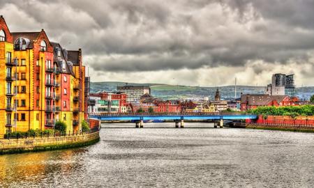 View of Belfast over the river Lagan - United Kingdom Standard-Bild