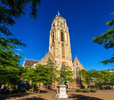 iglesia: Grote de Sint-Laurenskerk, una iglesia en Rotterdam, Países Bajos Editorial