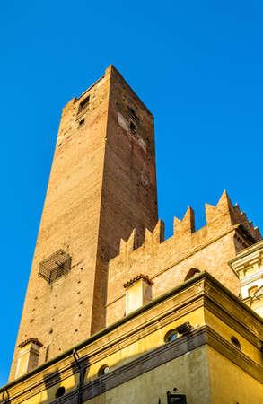torre: Torre della Gabbia in Mantua - Italy
