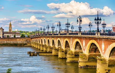 Pont de pierre in Bordeaux - Aquitaine, Frankrijk Stockfoto