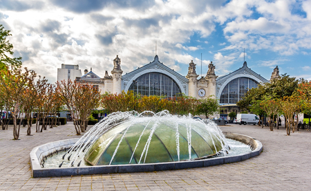 et: Fountain in front of the Railway Station of Tours - France Stock Photo