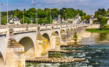 wilson: Pont Wilson in Tours - France, Region Centre Stock Photo