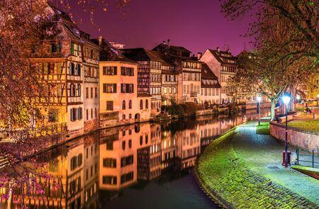 Der Fluss Ill in Petite France, Straßburg