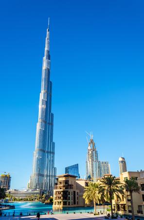 ドバイ、UAE のブルジュ ・ ハリファ塔のビュー 写真素材