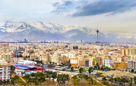 이란 - 아자 디 타워에서 테헤란보기